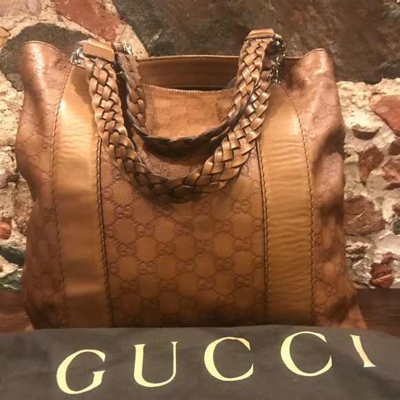 f40fe55ff9dd Gucci Handbags - Beautiful Gucci Shopper Tote Guccissima Leather